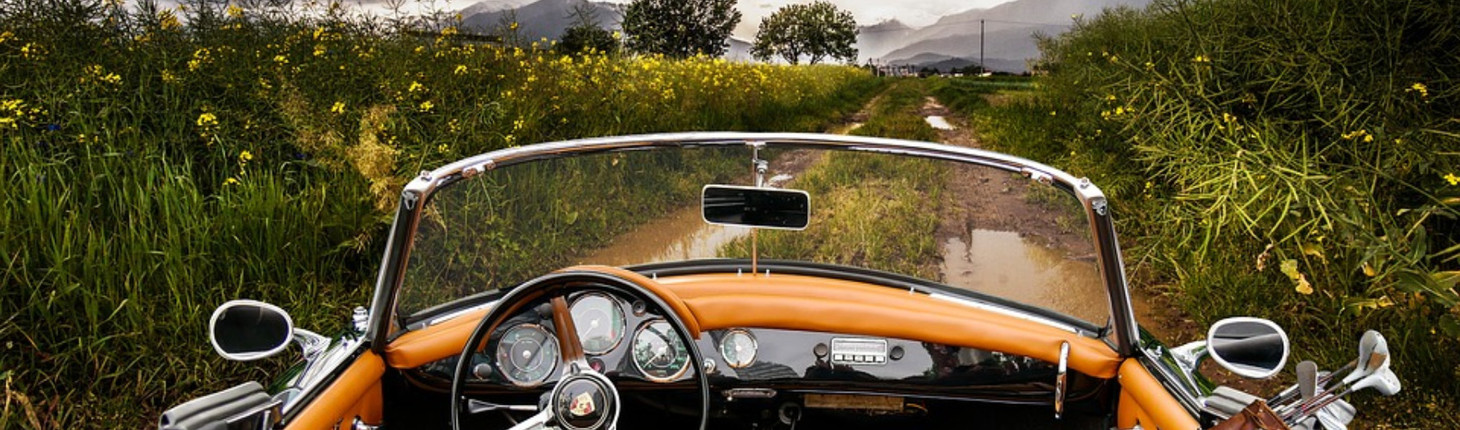 Oldtimer Orange - Landschaft